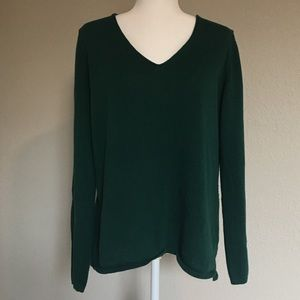 Olive green Old Navy long sleeve v-neck top